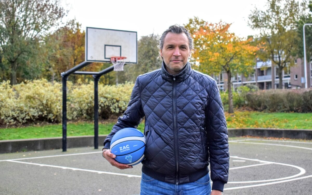 Geen geraniums, maar basketbal voor ouderen